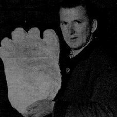 Rex With Giant Footprint Cast